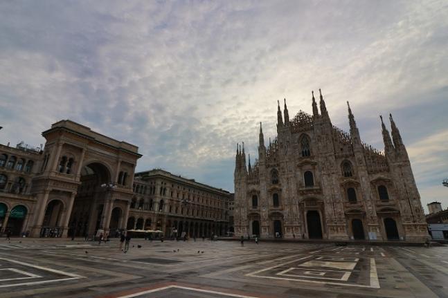 randevú Milánó