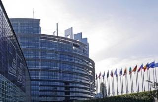 Yükselen Aşırı Sağcılığın Etkisinde Avrupa...