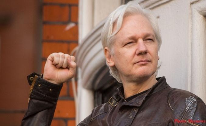 Julian Assange, Londra'da gözaltına alındı